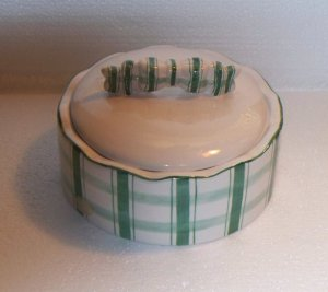 DELIGHTFUL VTG. POWDER BOX, GREEN & WHITE PLAID