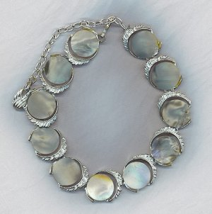 VTG. GRAY & SILVER TONE DISK LINK NECKLACE