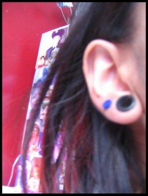 navy.blue.button.earring
