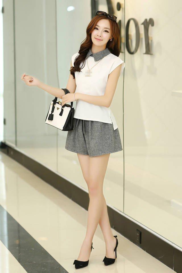 White Summer new Korean Women sleeveless chiffon shirt with grey short