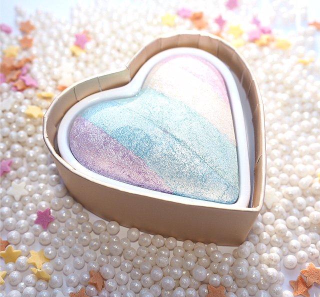 Makeup Revolution Unicorns Heart Rainbow Highlighter Blush Powder