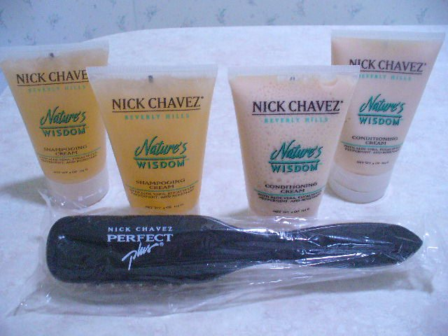 Nick Chavez Nature's Wisdom Shampoo Conditioner Brush Set of 5