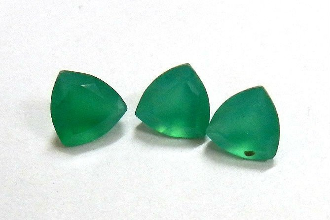 Certified Green onyx AAA Quality 12 mm Faceted Trillion 1 pc loose gemstone