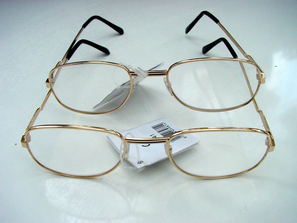 2 PAIRS OF READING GLASSES PALE GOLD METAL FRAMES +1.5 M141