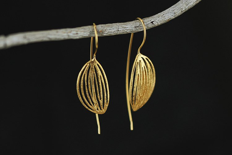 Gold Plated over Sterling Silver 0.925 Leaf earring with long post