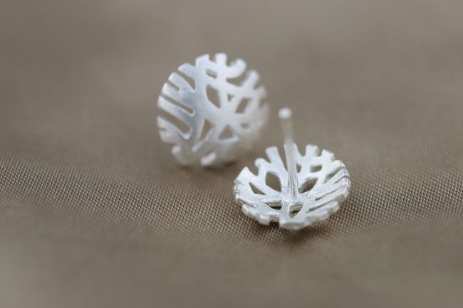 Sterling Silver 0.925 Round Snow Flower earring