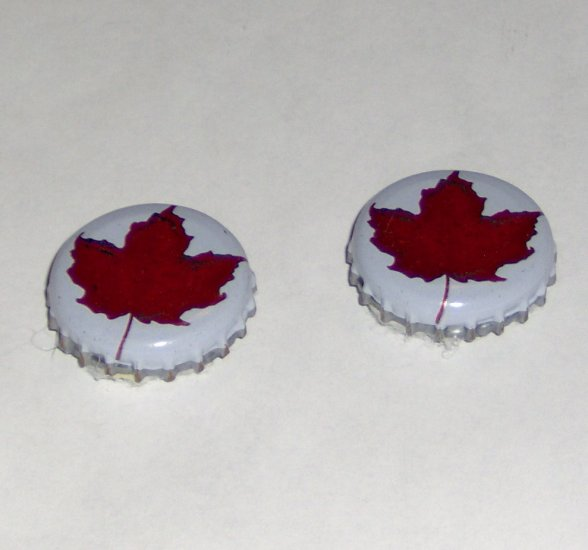Handmade Recycled beer bottlecap fridge magnet red canadian maple leaf on white