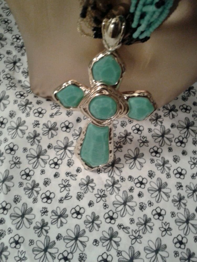WOMEN'S BLACK AND TURQUOISE CROSS NECKLACE AND EARRING SET