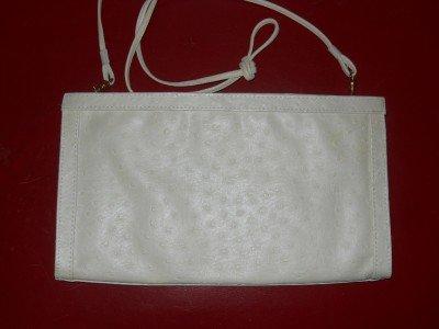 BUENO 70's-80's Ivory faux ostrich leather vegan friendly clutch shoulderbag EUC