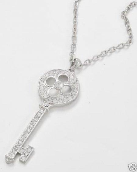 Necklace - Vintage Key Round Design .925 Sterling Silver