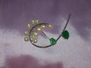 Brooch Blouse Pin -- .925 Sterling & Jade W/ White Pearls