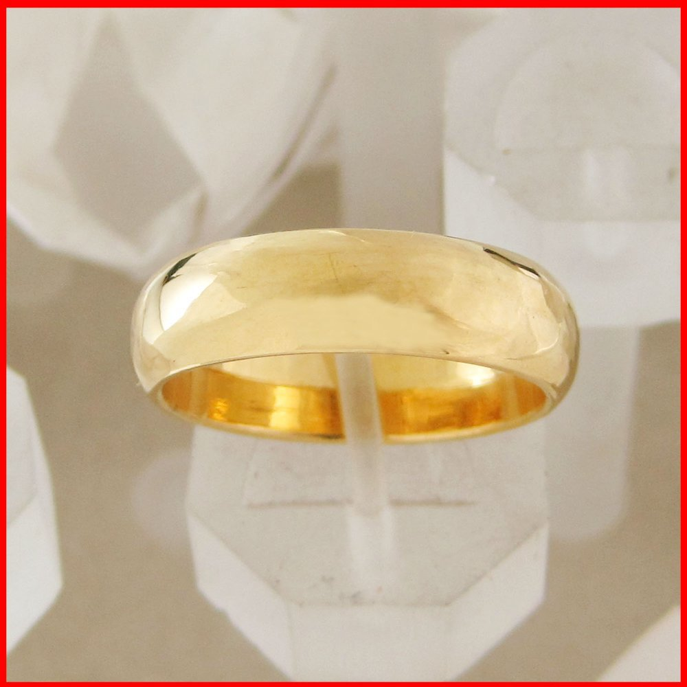 Gold Highly Polish Wedding Band -  Classic Ring