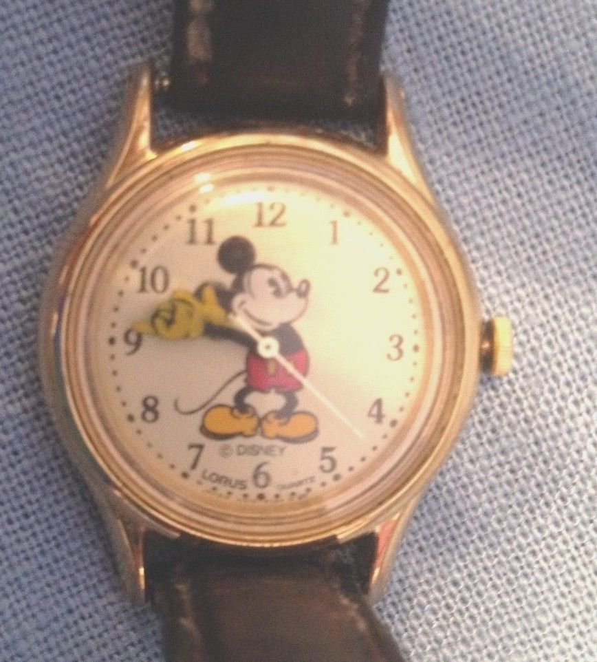 """""""MAMA SUES """" MICKEY LOVES MINNEY WATCH-WORKING- NEW BATTERY"""