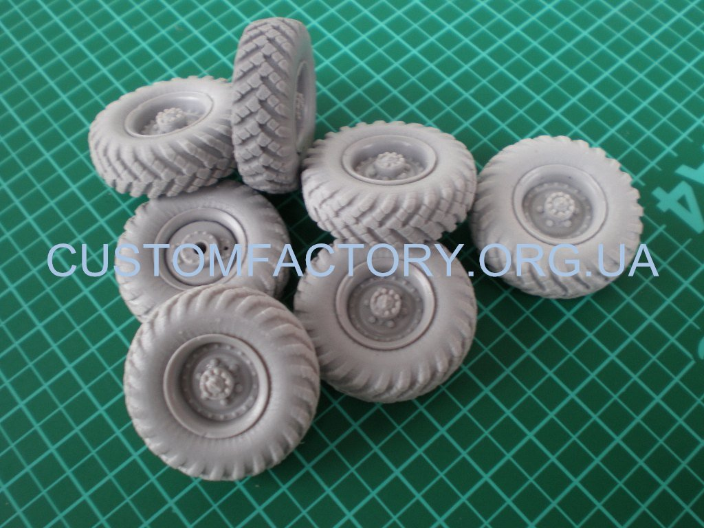 1/35 Customfactory  Wheels for Model ZIL-157