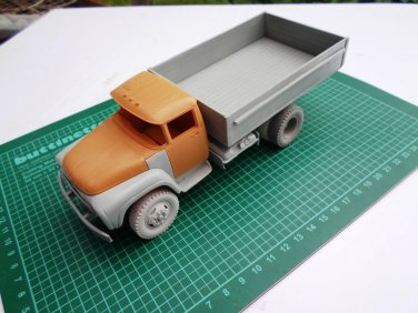 1/35 Customfactory ZIL-130: Correction set to model ZIL-131 from ICM