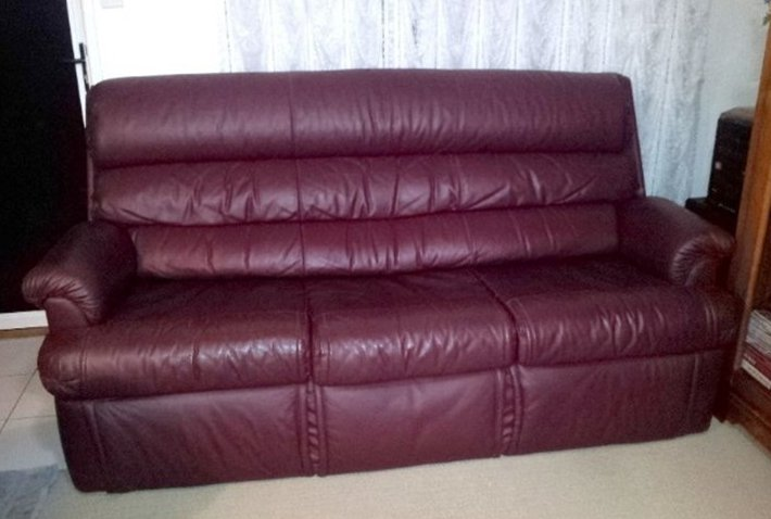 Burgundy leather sofa Burgundy leather loveseat