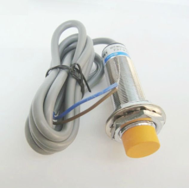 DC6-36V 8mm Cylindrical Inductance Proximity Sensor Approach Switch PNP NC