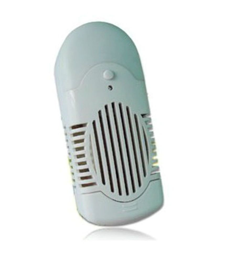 220V 0.65W Wall plug type air purifier Bathroom deodorizer Ozone Generator
