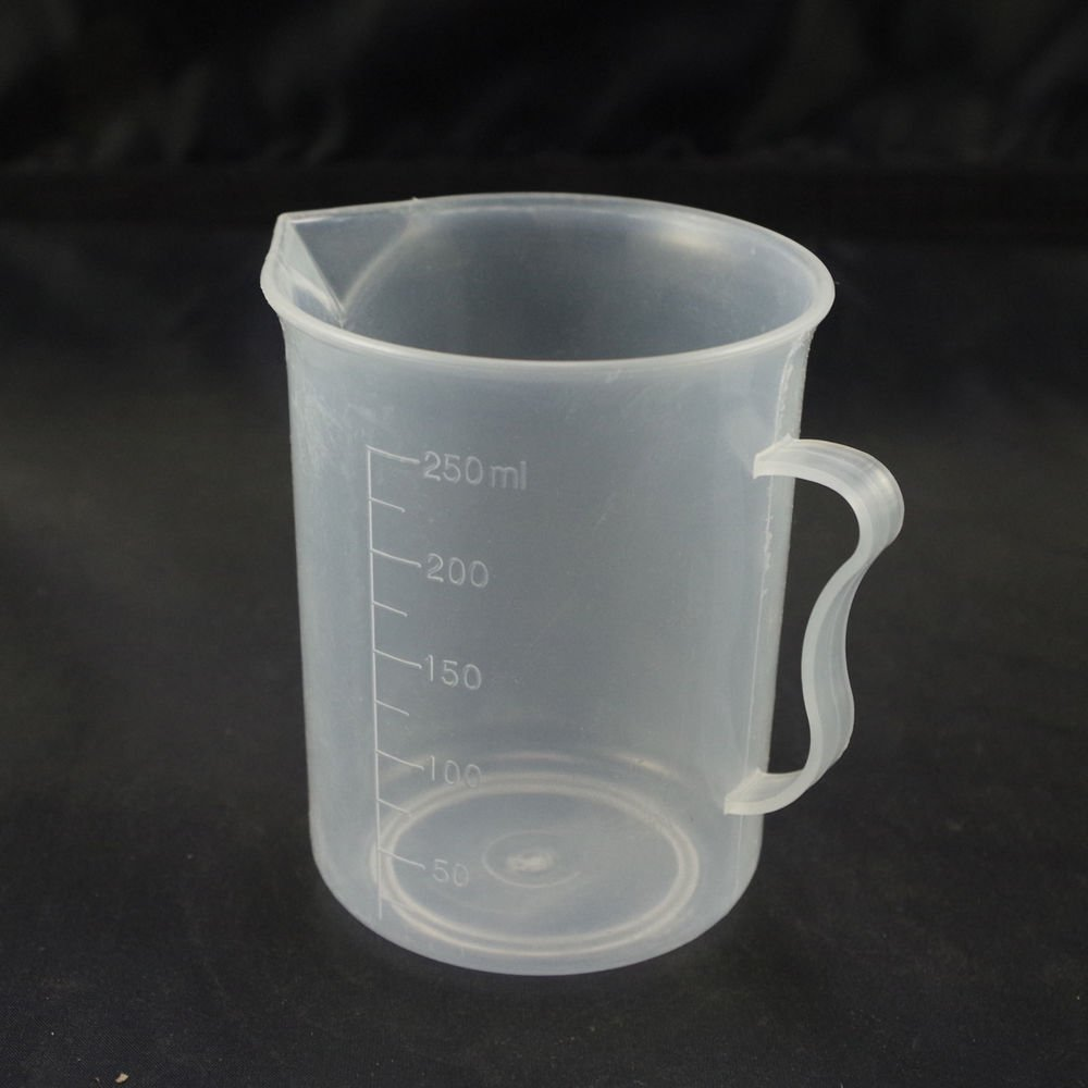 250ml plastic measuring cup graduated with handle