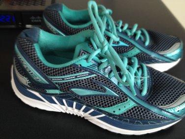 Women's Brooks Dyad 7 sneakers shoes Size 8