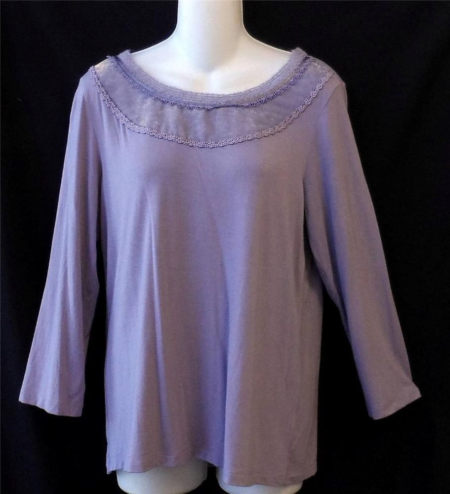 Apostrophe M Medium 10 12 Light Purple Stretchy Top 3/4 Sleeve Embroidered Neck