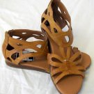 NEW Bare Traps 10Medium B Camel Tan Ankle Closed Heel Cut Out Sandals Flats Shoe