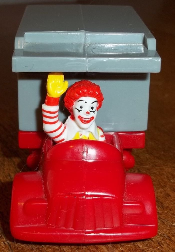 1995 Collectible McDonald's United Airlines Happy Meal Premium Meal Mover Truck