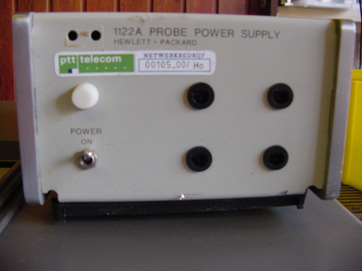 HP 1122A Probe power Supply