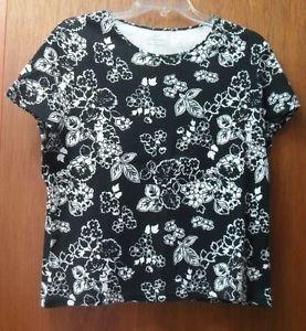 Croft & Barrow Misses Petite Large Pima Cotton Black & White Flower Print Top