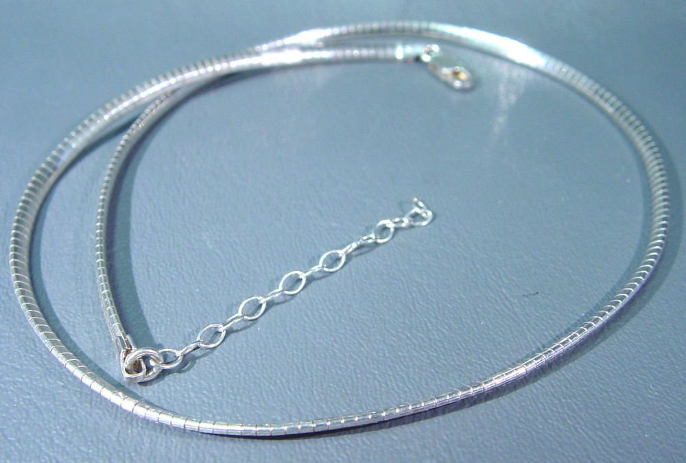 """16"""" Sterling Silver Necklace 12.5 grams of .925 fine silver Marked .925 Italy"""