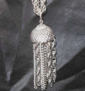 Trendy silver pendant vintage necklace