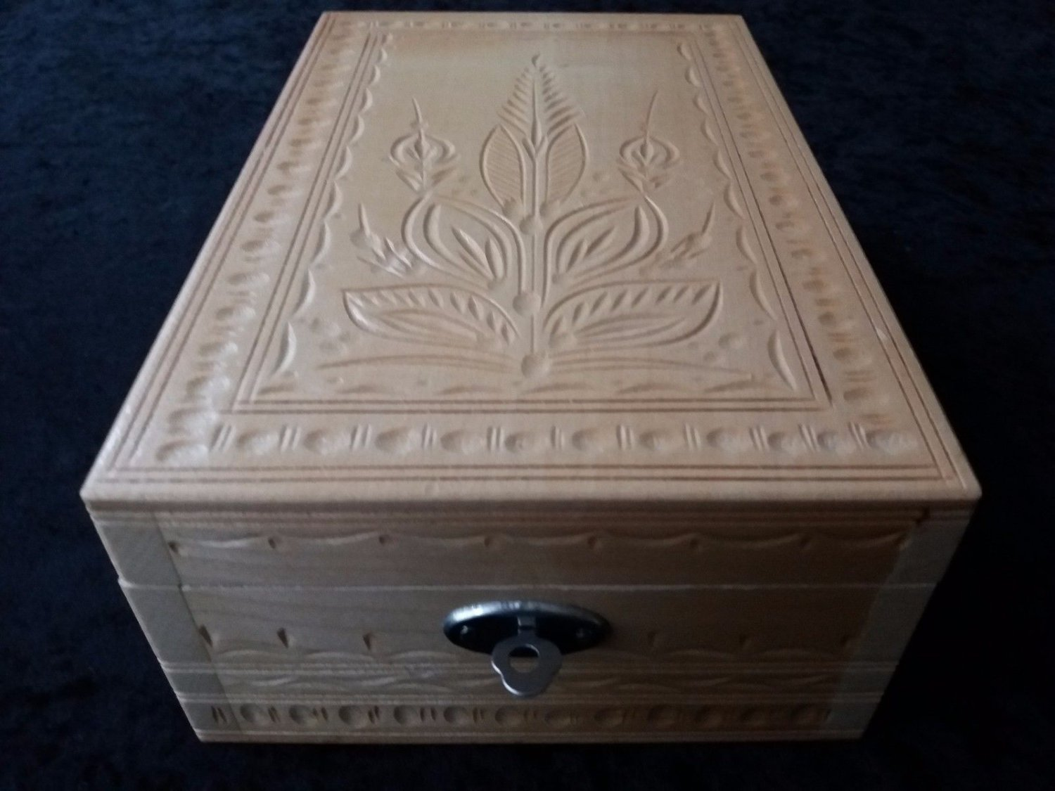 New handmade antiquated handcarved natural jewelry box, wooden box,mirror,makeup