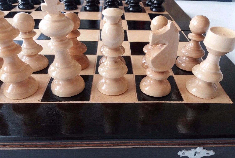 New black hazel wood chess piece,beech wood chessboard box backgammon checkers
