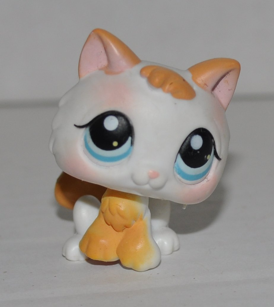 Kitten #134  Littlest Pet Shop (Retired) Collector Toy - LPS Collectible  Figure - Loose