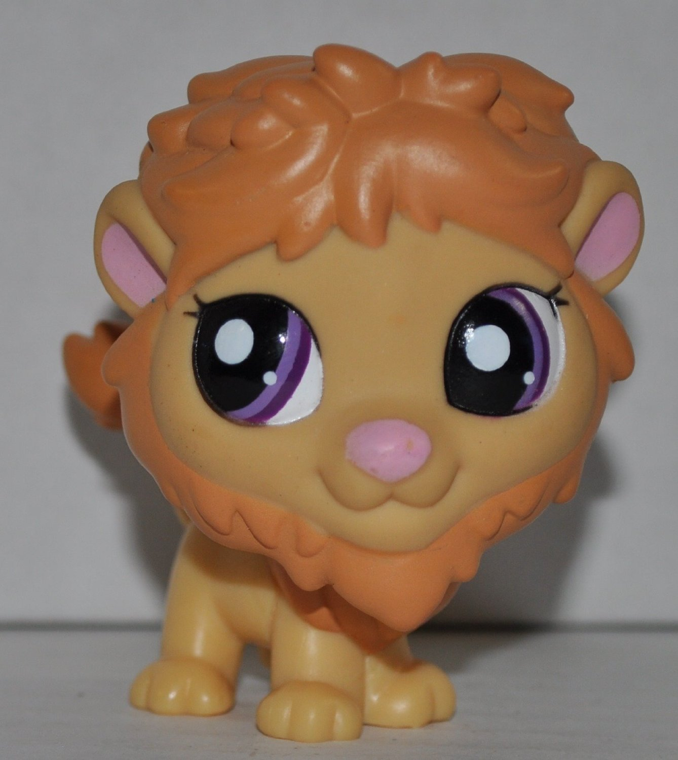 Lion #2000 Littlest Pet Shop (Retired) Collector Toy LPS Collectible Replacement Single Figure Loose