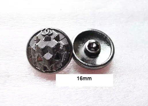 Button  014