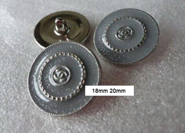 Button  075