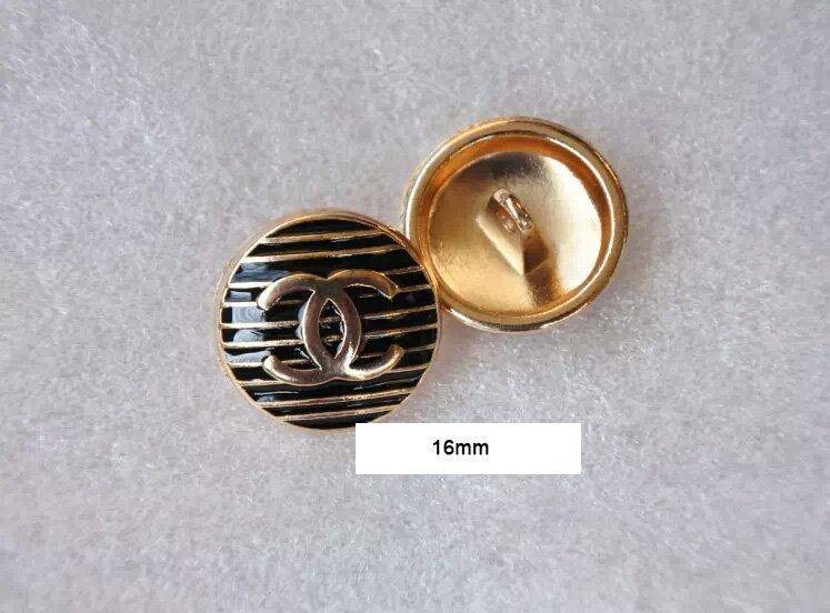 Button  090