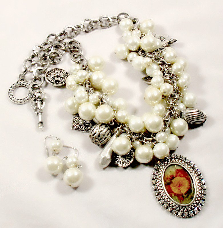 Nena Pearl Cameo Crystal Charm Necklace Earrings Jewelry Set