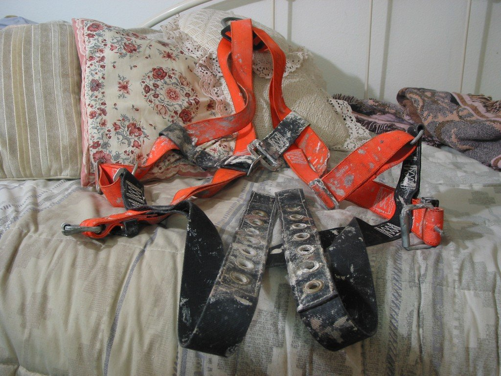 SAFEWAZE Orange Safety Fall Harness One Ring Very Used