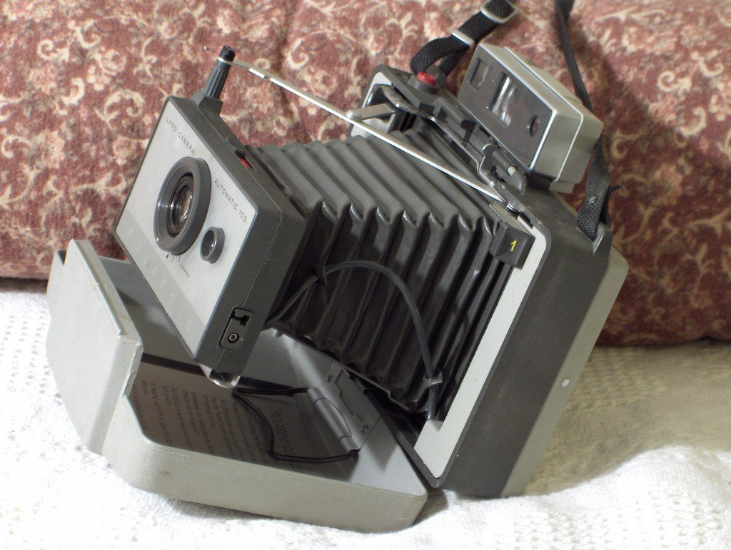 POLAROID 103 Folding Camera Vintage Used Photograph