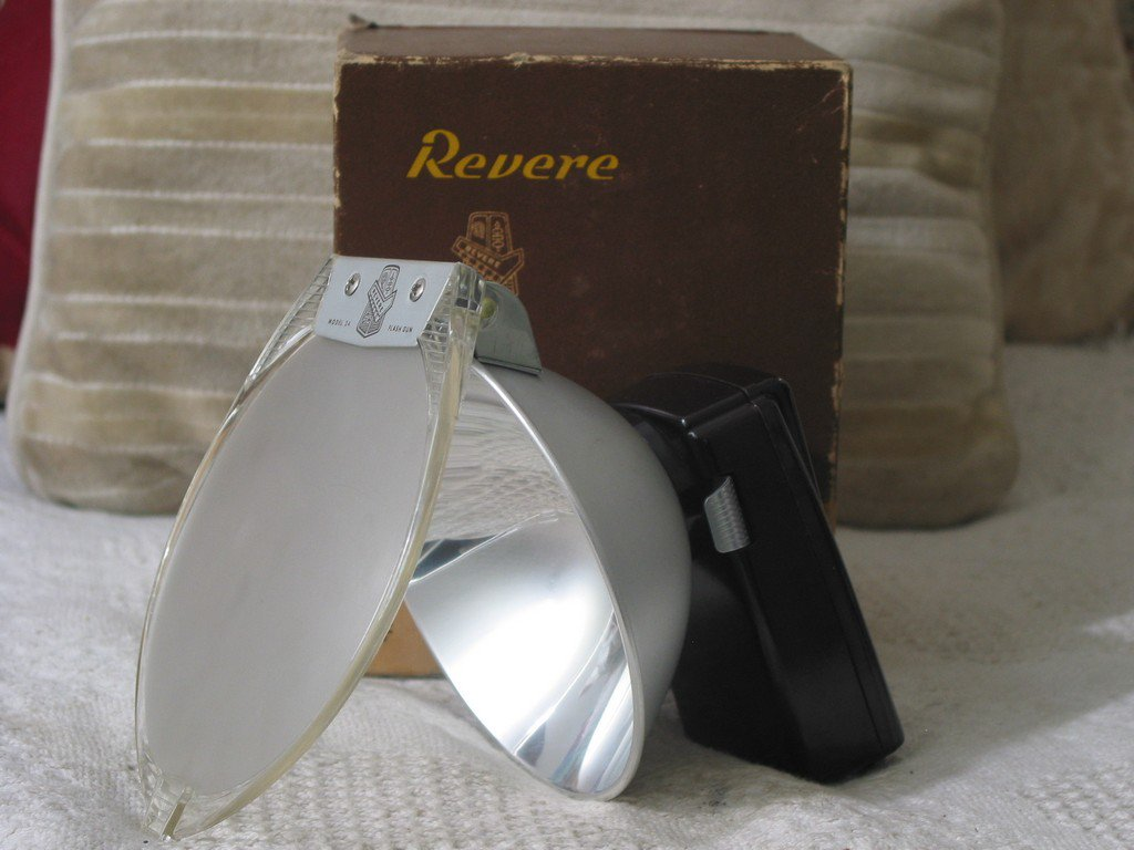 REVERE ST 24 Flash Gun For a Stereo 33 Camera Vintage