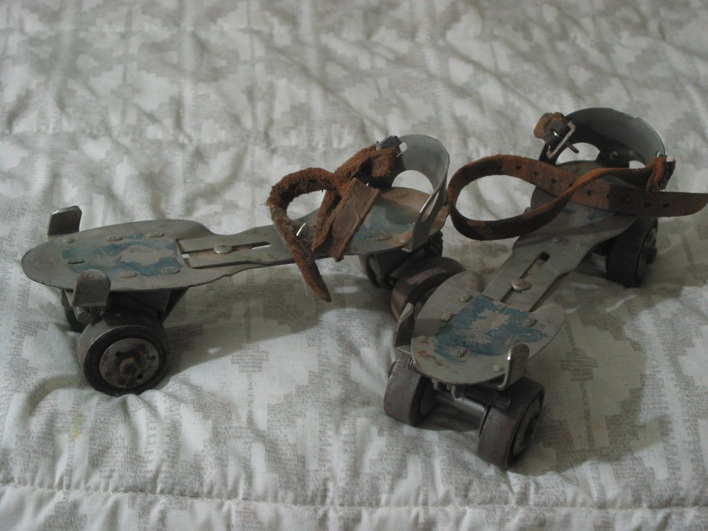 ROLLER SKATES Union Hardware No 5 Metal Wheels Antique