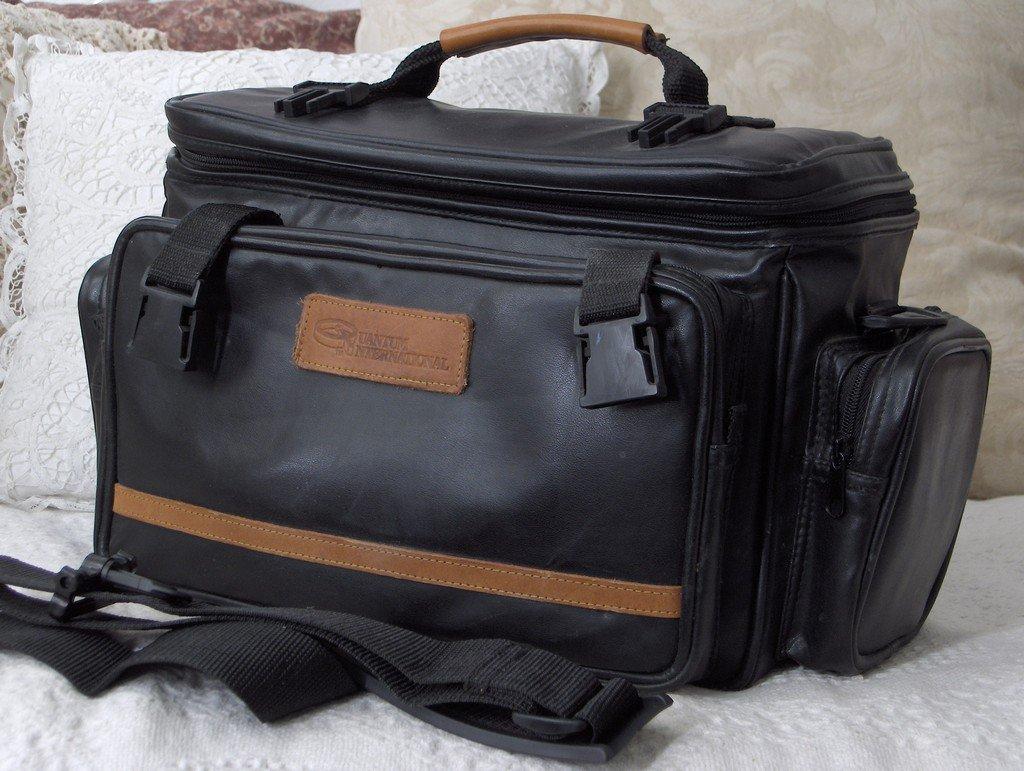 QUANTUM INTERNATIONAL Black Camera Bag Carry Case Used