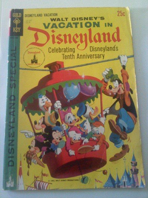 Walt Disney's Vacation in Disneyland 10th Anniversary 1965 Gold Key Bronze Comic