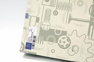Genuine Engine Air Filter for Mercedes Benz Vito Sprinter 0030948304 6900947004
