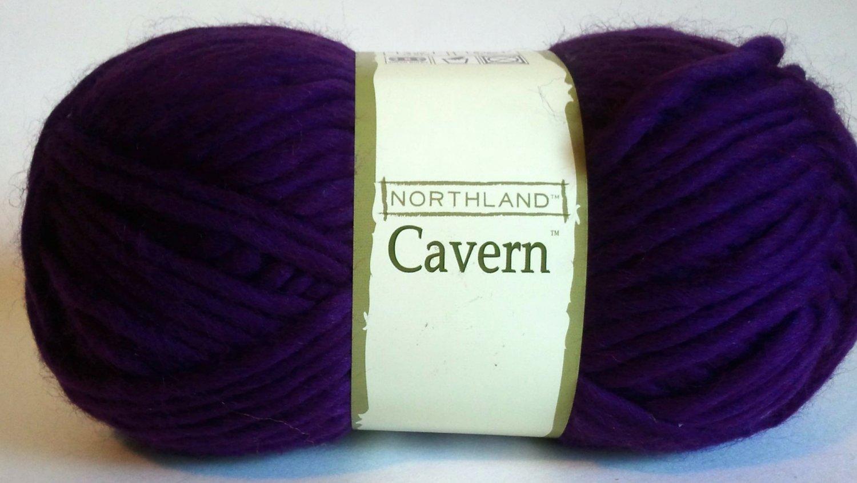 Northland Cavern Acrylic Wool Blend Yarn 3.5 oz Amethyst Purple Violet Super Bulky 6