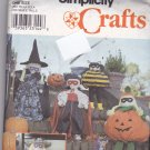 Simplicity 8823 Pattern Costumed Dolls Pumpkin Witch Vampire Bee Halloween