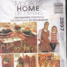McCall 2897 Pattern Uncut Christmas Holiday Apron Gift Boxes Tablecloth