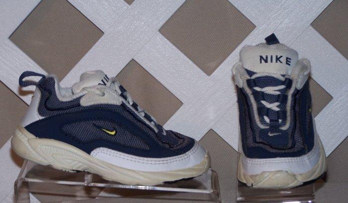 Boys Nike Shoes Size 8